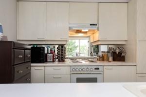 50 eglinton avenue west kitchen 3