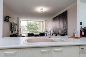 50 eglinton avenue west kitchen 4