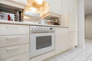 50 eglinton avenue west kitchen 5