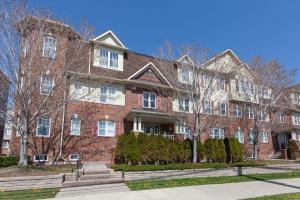 605 Dundas #2 - Toronto - Mississauga