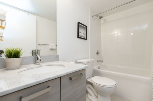 68 abell street 18 bathroom