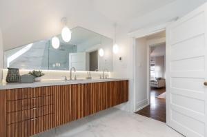 1 ridley gardensmaster bathroom