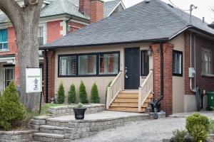 100 saint johns road house 02