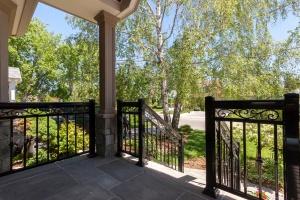 entrance-deck2