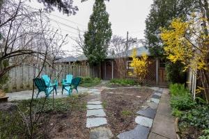 104 marion street backyard 01