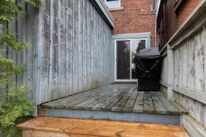 104 marion street backyard 05