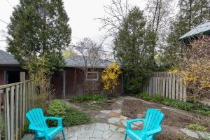 104 marion street backyard 06