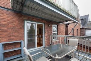 104 marion street balcony 03