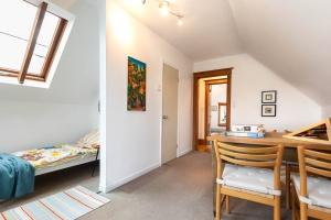 104 marion street bedroom 08