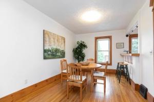 104 marion street dining room 04