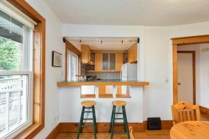 104 marion street kitchen 04