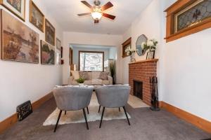104 marion street living room 01