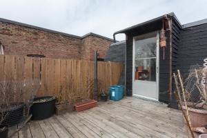 38 exterior deck