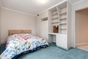 11 walmsley boulevard bedroom 05