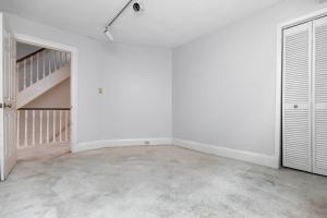 11 walmsley boulevard bedroom 07