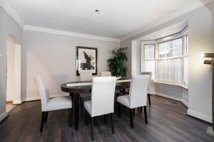 11 walmsley boulevard dining room 01