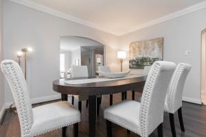 11 walmsley boulevard dining room 03