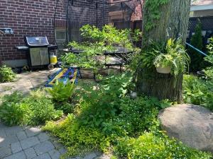 124leacrestrd_garden (10)