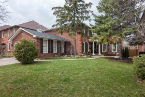 124 Poplar Heights Drive - West Toronto - Etobicoke