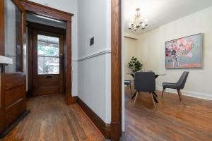 15 hewitt avenue hallway 02