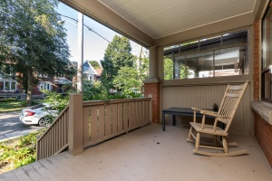 15 hewitt avenue porch 01