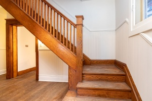 15 hewitt avenue stairs 01