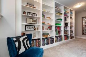 17sorauren_bookcase (2)