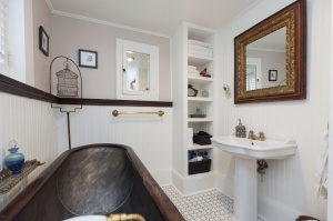 170 Cowan Avenue Bathroom 2