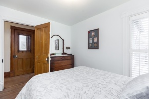 170 Cowan Avenue Bedroom
