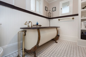 170 Cowan Avenue Bathroom