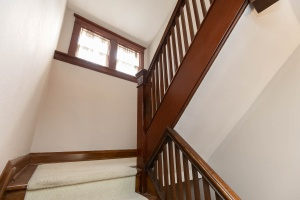 186 indian rd staircase 02