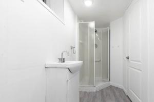 22 ridley gardens bathroom 2