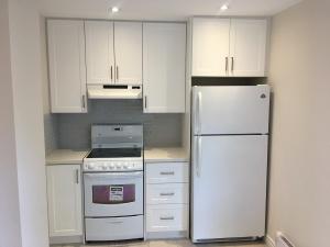 227 grenadier road 2nd floor kitchen 01