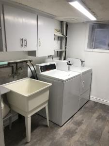 227 grenadier road laundry room 02