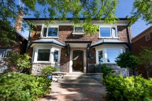 23 Kennedy Park Road - West Toronto - Bloor West Village