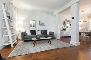 232_maria_street_10_living_room