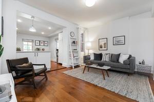 232_maria_street_7_living_room