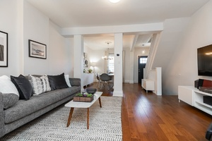 232_maria_street_8_living_room