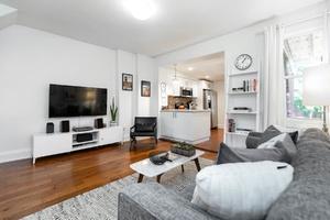 232_maria_street_9_living_room