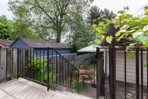 25 glebeholme boulevard backyard