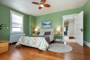 25 glebeholme boulevard bedroom 2