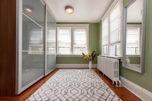 25 glebeholme boulevard bedroom 4