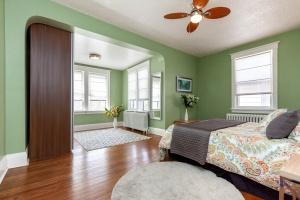 25 glebeholme boulevard bedroom