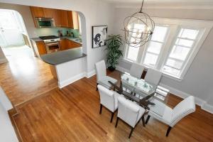 25 glebeholme boulevard dining room 4