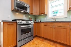 25 glebeholme boulevard kitchen 5