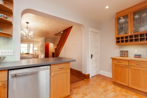 25 glebeholme boulevard kitchen 6