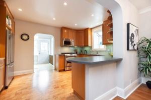 25 glebeholme boulevard kitchen