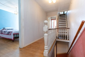 25_westminster_avenue_19_stairs