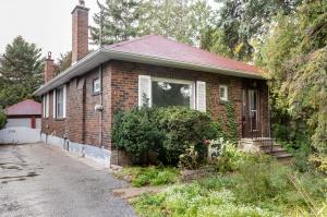 258 Prince Edward Drive South - West Toronto - Sunnylea Etobicoke