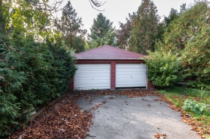 258 prince edward drive south27garage